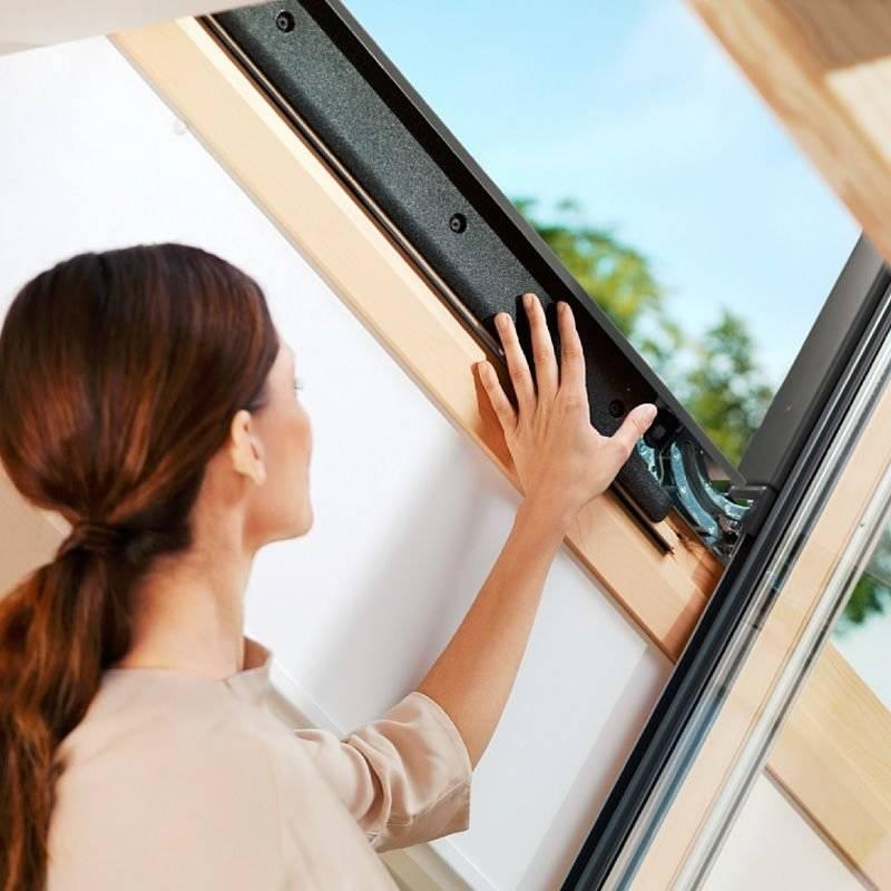 okno dachowe velux ggl 3060 uk04 134x98 okna i wy azy dachowe w. Black Bedroom Furniture Sets. Home Design Ideas
