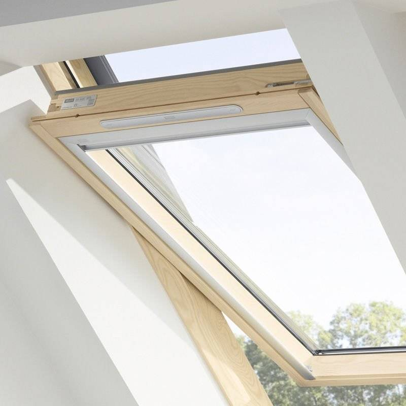 velux pvc 78x98 cool velux top hung roof window pine finish opens to degrees with velux pvc. Black Bedroom Furniture Sets. Home Design Ideas